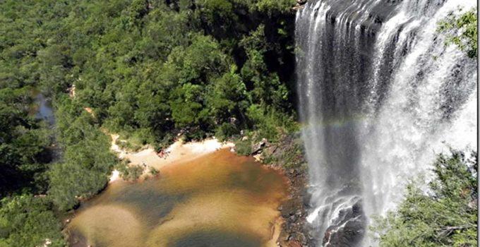Cachoeira do Lageado Grande em Sengês, PR