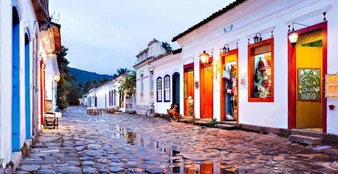 Paraty, a lida cidade entre a serra e o mar