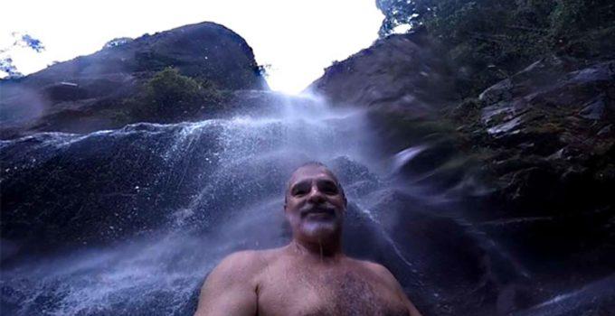 Cachoeira Véu da Noiva no Parnaso sede de Petrópolis