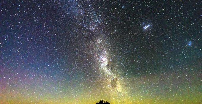 O incrível céu de estrelas no deserto do Atacama