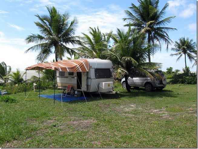 Acampados no lindo CCB de Prado, na Bahia