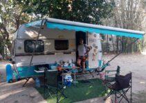 Nosso trailer Karmann Ghia 380 estacionado no Camping Retiro das Maritacas em Itaúnas - ES