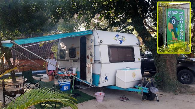 Nosso trailer estacionado no Camping Retiro das Maritacas em Itaúnas-ES